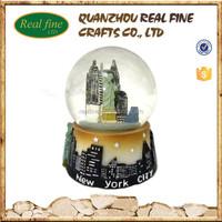 custom high quality New York souvenirs glass snow globe in bulk