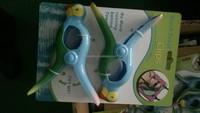 plastic animal parrot clips
