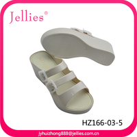 Fashionable Pvc Jelly Ladies Slippers And Sandals Shoes
