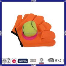 Fabricación de China de encargo guante de forma de plástico velcro catch juego de pelota juego