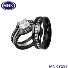 jewellery diamonds ring holder king and queen engagement and wedding ring