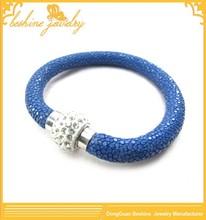 Top Quality Rhinestone Magnetic Clasp Blue Stingray Leather Bracelet Jewelry