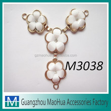 Customized Gold Plated With Alloy Based And Rhinestone Shoe Decoration and Accessories