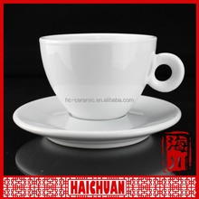 Color ceramic coffee cup and lip shape saucer espresso coffee cup set valentine theme coffee cup set