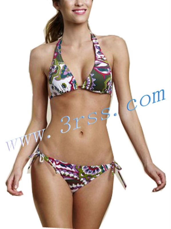Arriba las mujeres empujan hacia arriba bikinis