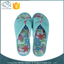 Custom wholesale colorful rubber slippers manufacturers
