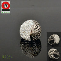 Wholesale Price Pretty Wedding Rings Hollow Out Grain and Diamond Rings