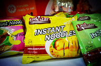 beef 60g instant noodle / 5 in 1 OEM HALAL noodle GMO free seasoning no artificial additives delicious