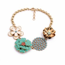 Fashion wholesale pottery flower shape charm gold chain necklace