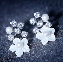 2015 hot sale crystal flower cuff stud earrings