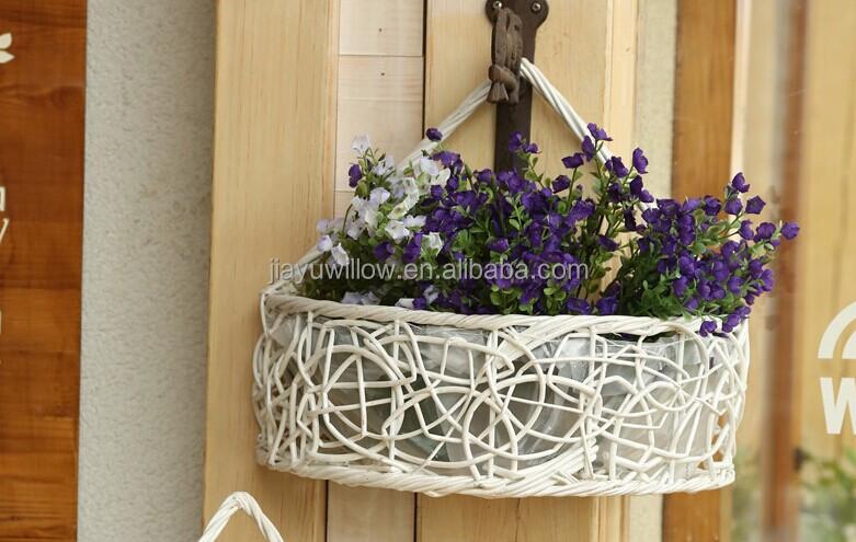 Корзинка с цветами на стену