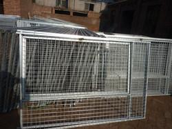 Dog kennel fence/large dog fence