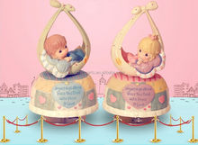 resin souvenir baby doll,pink and blue color baby shower favors