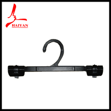 2014 New Product On Promotion Suit Hanger With Locking Bar