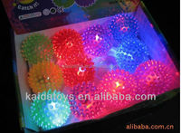 Choose Color dog Toy Flashing Spiky Squeaky Ball Pet Spike Ball with LED Light up Glow Ball 6.5cm