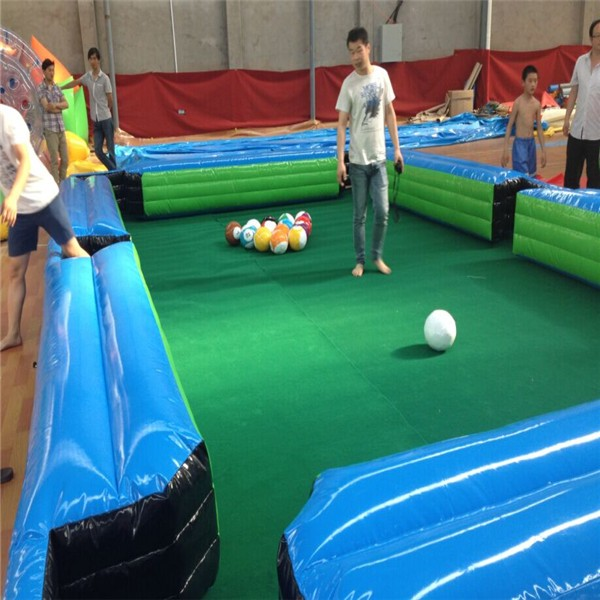 inflatable soccer snooker -01