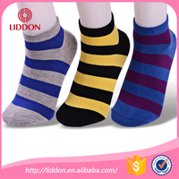 wholesale soft and breathable striped men cotton low cut socks,men sport basketball socks