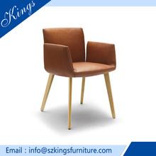 De venta al por mayor silla de comedor de madera maciza con precio razonable