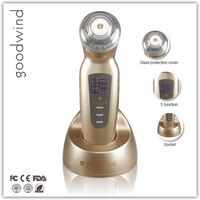 ISO13485 goodwind mini facial nutrition massager vibrate and beautiful multifunction micro dermabrasion machine