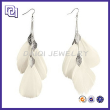 FASHION JEWELRY ACCESSORIES WHOLESALE SALE FEATHER EARRING,WHITE ELEGANT FEATHER CHARMING EARRING,LATEST DESIGN DIAMOND EARRING