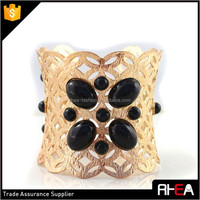 Alibaba Online Wholesale Big Brand Fashion Gold Hollow Alloy Cuff Bangle