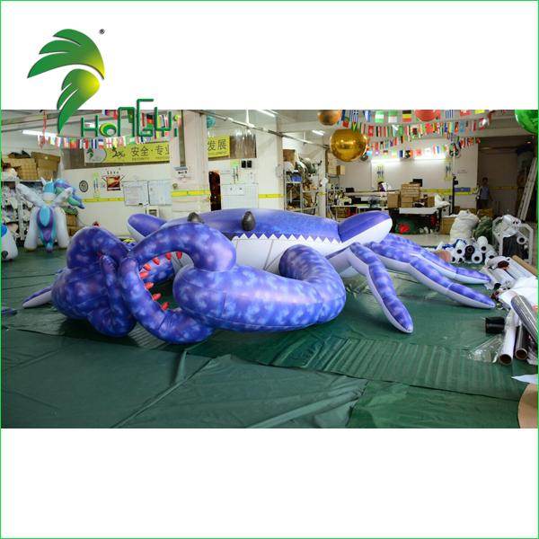 Inflatable crabs (2)