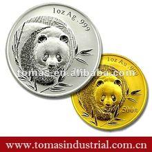Fashion round panda metal souvenir coin with pating colour