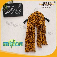 soft fell 100 polyester voile hijab arab head leopard scarf with high twist
