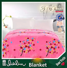 2015 new pink color design Pigment printing plain style 170~300 gsm polyester throw blanket on china wholesales