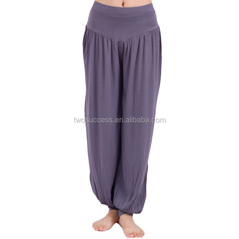 fitness lady's baggy adult bloomers