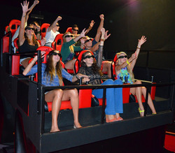 7D cinema game machine 6 seaters roller coater movie