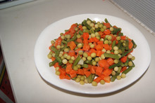 Supply 425g canned mixed vegetable brand