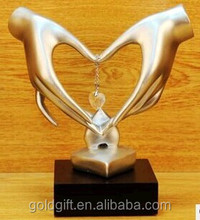 silver holding hands statue for wedding gifts