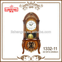 Old fashioned table clock 1332-11