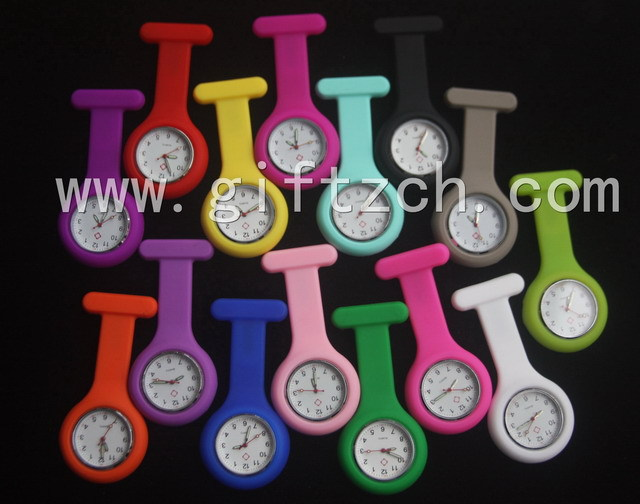 Metal clip with glow in dark hands new silicone nurse watch