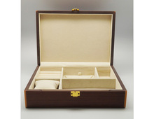 Locked lacquer wood box with compartments for different jewelrys