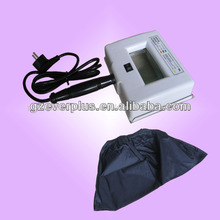 Handheld wood lamp skin analyzer for home use