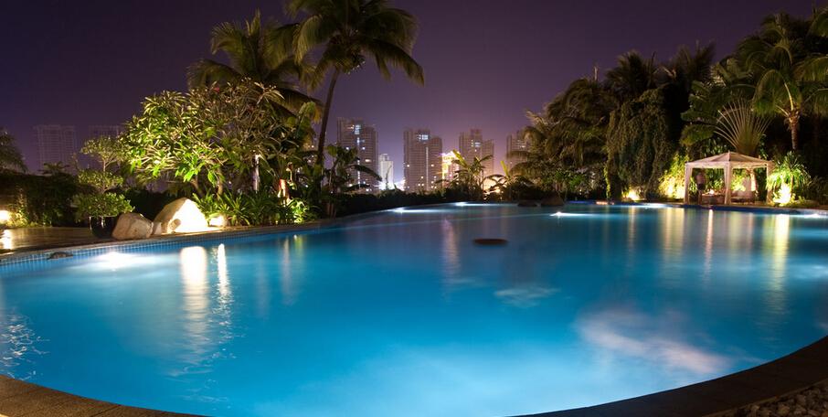 Led par56 rgb piscine lumi re ip68 avec t l commande 12vac for Grossiste materiel piscine