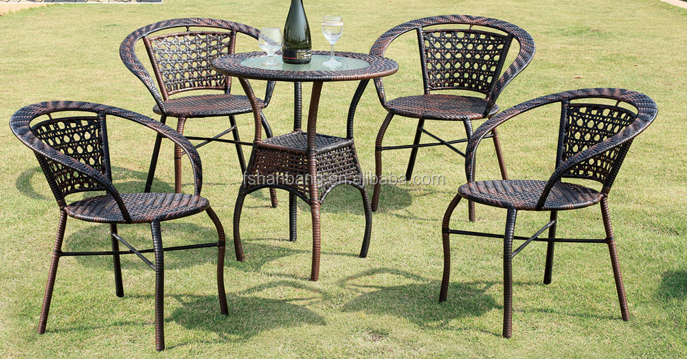 cheap small outdoor table and chair for garden