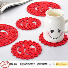 China Wholesale Eco-friendly Die Cut Classic Red Felt Coaster for New Year