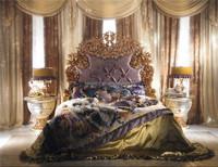World Treasure Italian Antique Fashional Bedroom Furniture/Ornate Elegant Floral Design Carved Wooden and Brass Bedroom King Bed