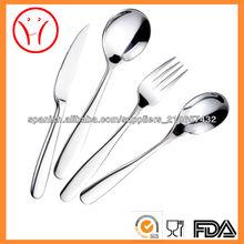 Restaurante, hotel, cocina cubiertos cuchara tenedor