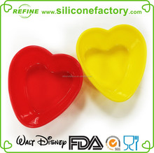 Lovely heart shaped nonstick Valentine custom silicone bake mould