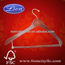 LEC-W5009 Contoured Suit Hanger with Locking Bar