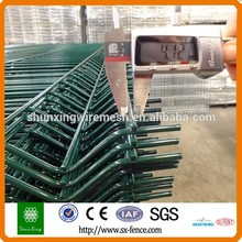 Anping Manufacturer Cheap PVC Coated Wire Mesh Metal Fencing Stakes