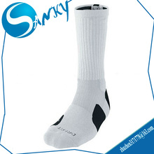Custom OEM Wholesale Black White Elite Basketball Socks/ Mens Sports Socks