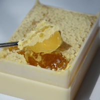 200g Organic honey comb in honey box for sale