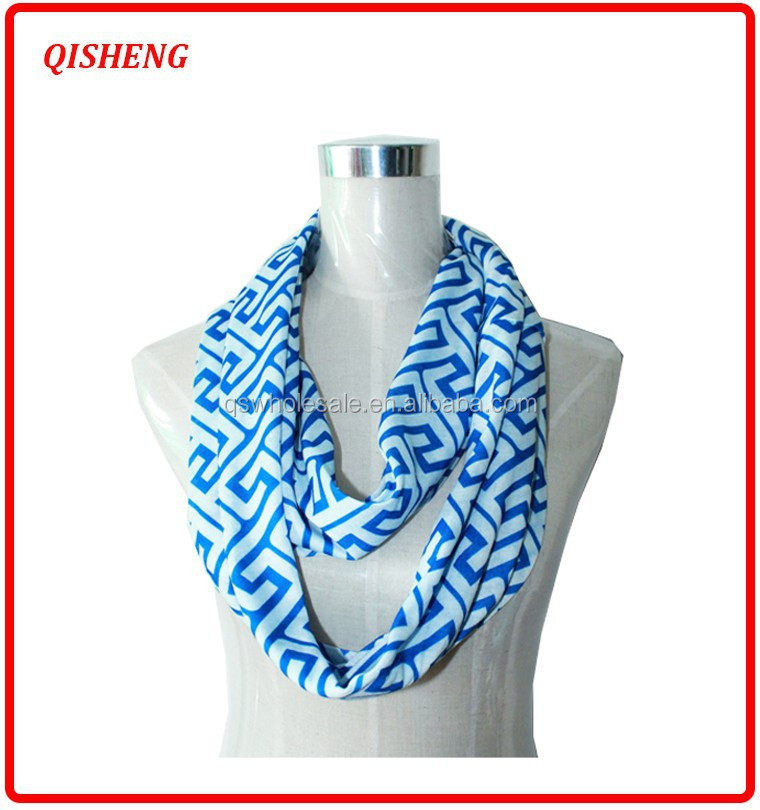 fashion cheap polyester winter infinity scarf with pocket