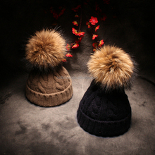 Hot Selling Genuine Racoon Fur Ball Hemp Flower Knitted Men Women Winter Caps and Hats