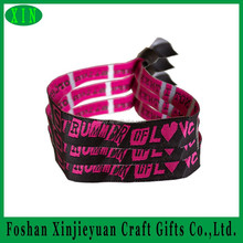 Small gift items cheap charity wristbands with plastic closure lock